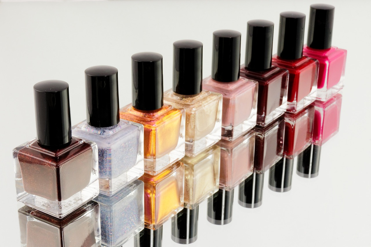 Nail Polish in pretty colors, located in Edsa Shangri-la Mall, Makati, Alabang and SM north edsa.  Buy a Nail Spa Gift Certificate or Gift Card online at Gifted.PH. Send to anyone in Manila and Philippines